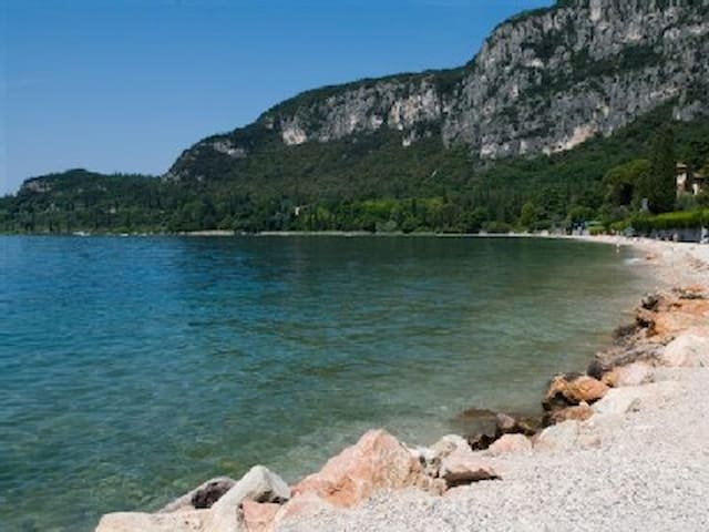 Family Apartment on Lake Garda with Lake View - Garda - Huoneisto
