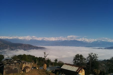 Cozy stay with mountain views and farm-fresh food - Dhulikhel - Bed & Breakfast