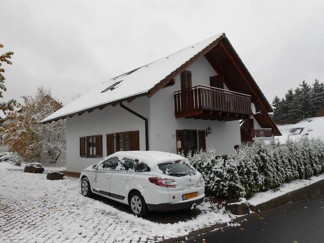 Mooi modern 8 pers huis Duitsland! - Kirchheim - Casa