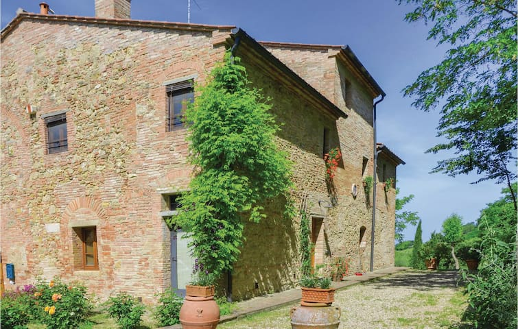 Semi-Detached with 3 bedrooms on 125 m² in Barberino V. d´Elsa SI