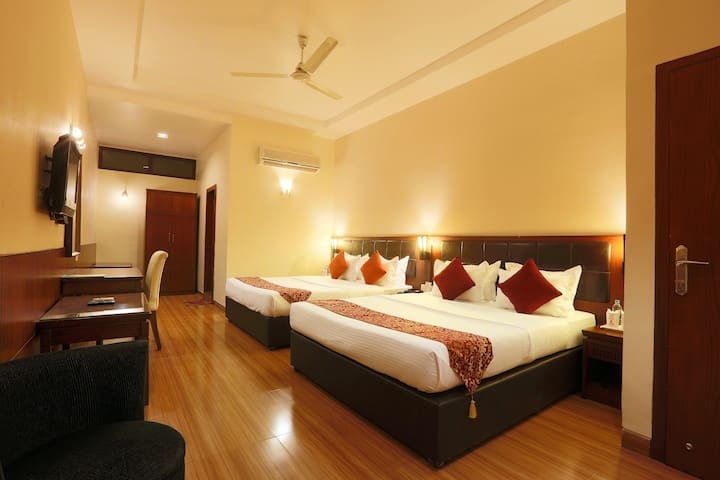 Deluxe Stay in Dhanuka Complex (WC-32) - Guwahati - Boutique hotel