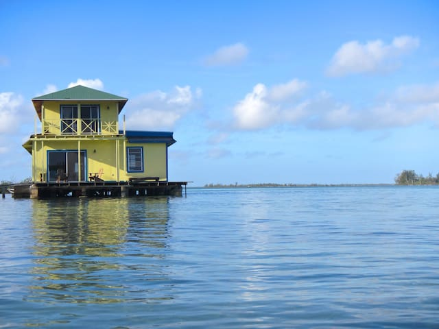 Sunset Point Houseboat, Andros - Andros, Bahamas - Dom