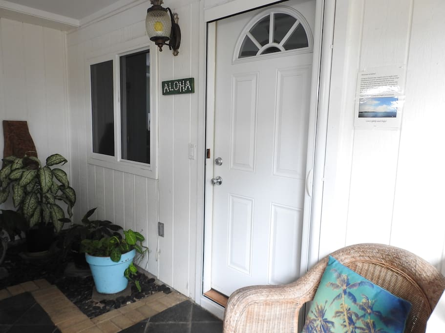 Private entrance provides you privacy to enjoy your time in Hawai'i.