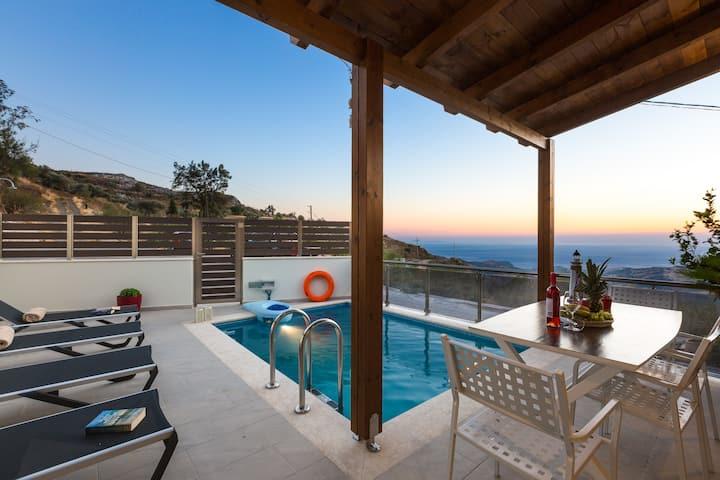 Villa Saktouris, Spectacular views of Libyan sea