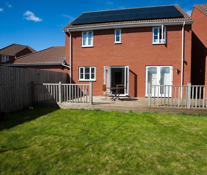 4 bedroom modern detached house Filton Bristol