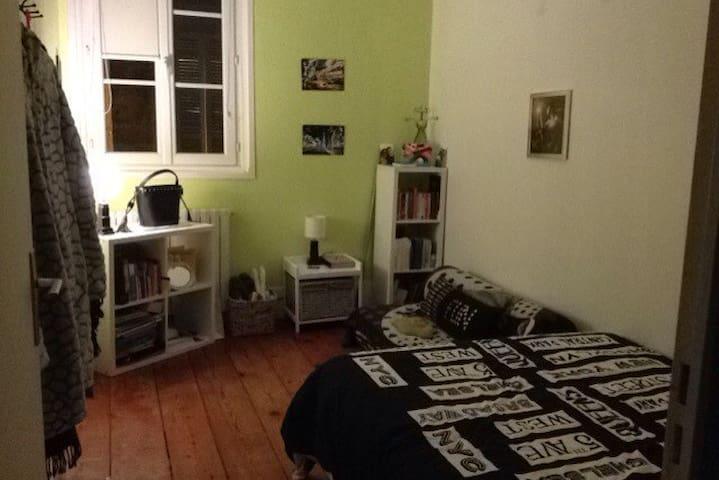 jolie chambre dans appartement bourgeois