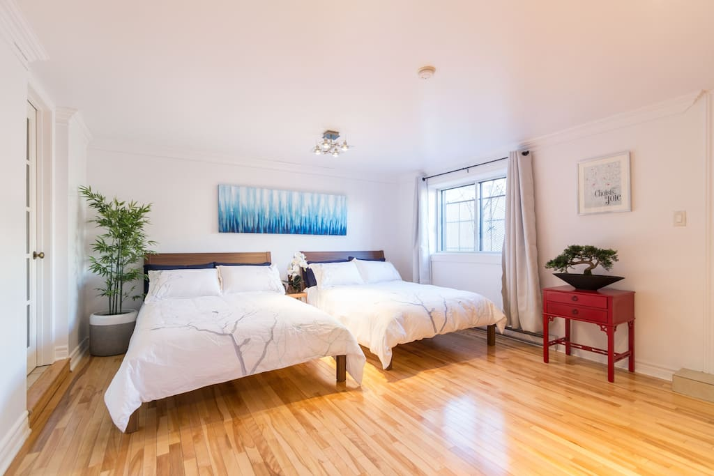 2 bedrooms + 2 bathrooms. Ideal for  6-8 people but can accommodate up to 13 guests.