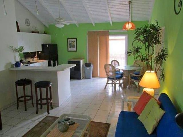 Christiansted Condo: Cute & Airy