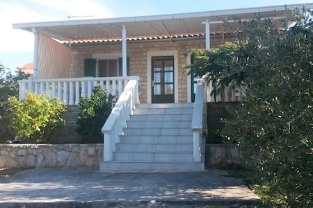 Dalmatian cottage,Jezera-Croatia - Jezera - Cabana