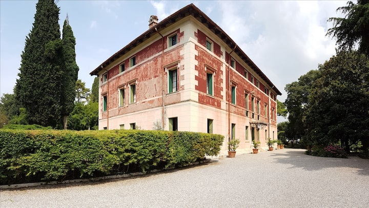 Camere doppie in Villa dei Cipressi CR M0230830026