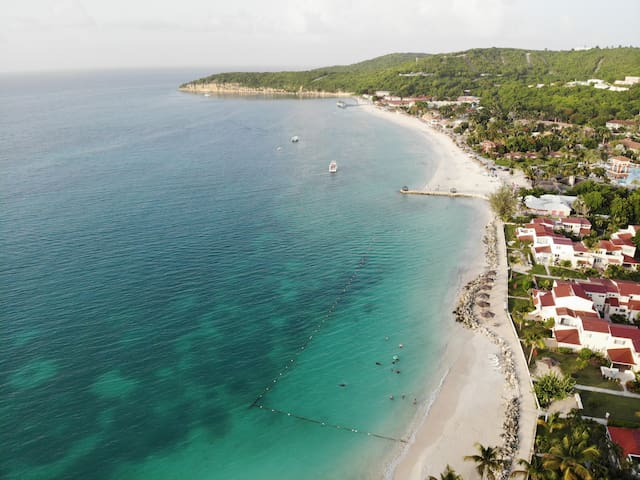 Modern Beachside! With Pool and Resort Amenities!