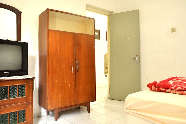 Puri Candisari Setunggal - yogyakarta - Дом