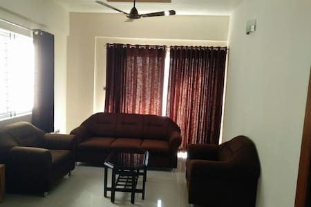 Spacious and Modern 3 Bedroom Apartment in Manipal - Manipal - Apartament