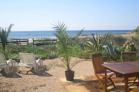 Maison- bord de mer-plage- corse