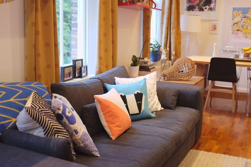 Full of light, living / dining room