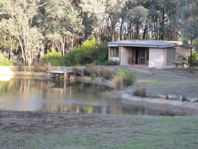 Home Among the Gum Trees  - Panton Hill - Cabin
