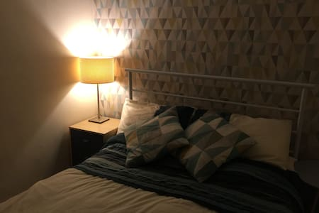 Cosy double room village location - Flackwell Heath - Huis