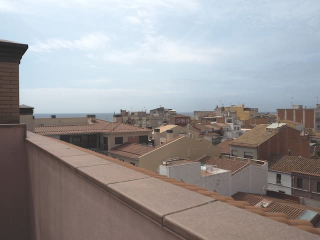 Duplex in the center of Malgrat with parking. WiFi. 5 minutes from the beach.