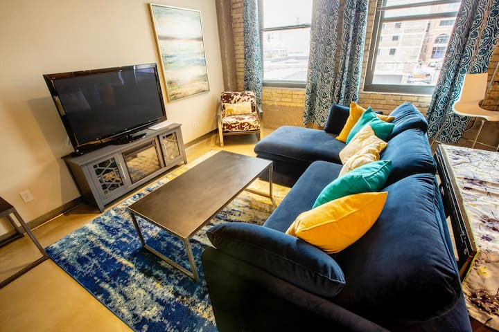 Modern 1 BR Apt in North Loop of Dtwn Mpls