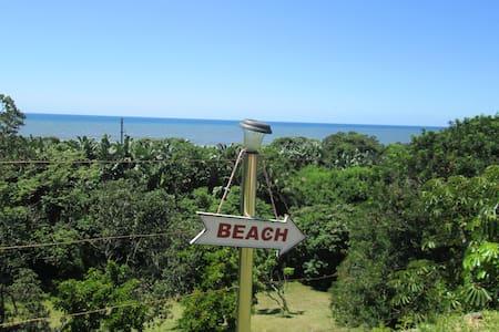 Melville House: Beachfront home - Port Shepstone