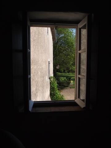A l'ombre du magnolia centenaire - Cardet - Apartment
