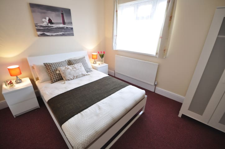 (92AST-3)Private dbl room close to Mile End Park - London - Rumah
