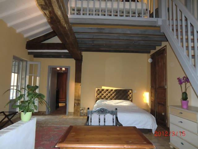 La maison du château de Fources - Fourcès - Dům