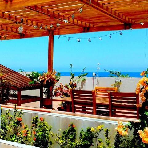 Spectacular Beach Penthouse!  Olon, Ecuador