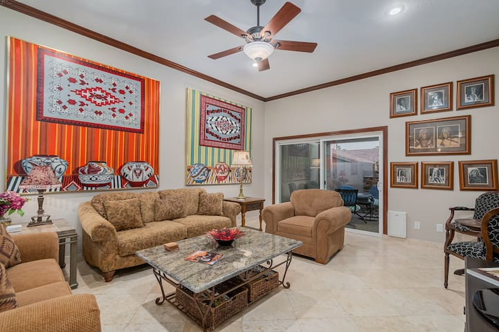 McCormick Ranch Bungalow Beautifully Furnished