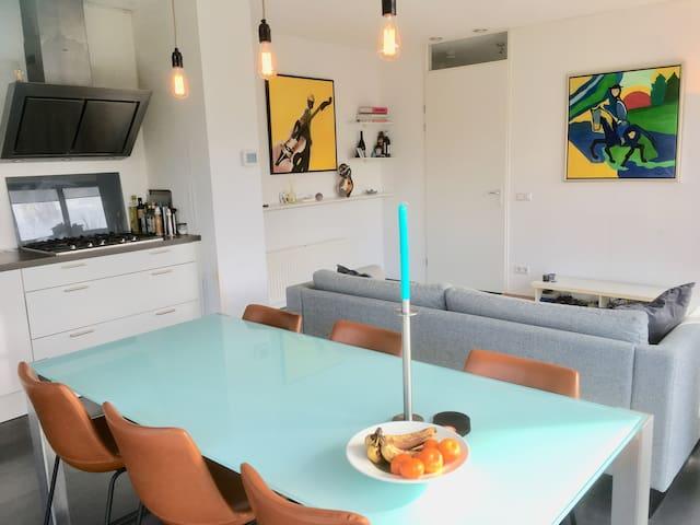 Luxe, modern en licht huis (3slpk)