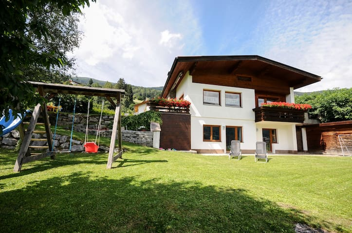 Luxuriously Renovated Chalet - Wenns - House