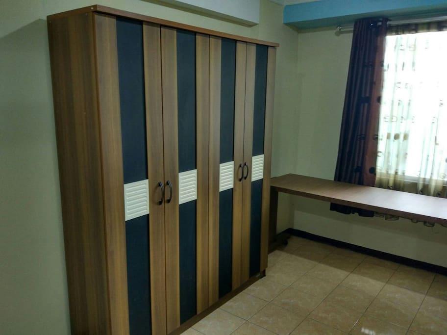4 door closet for clothes & amenities