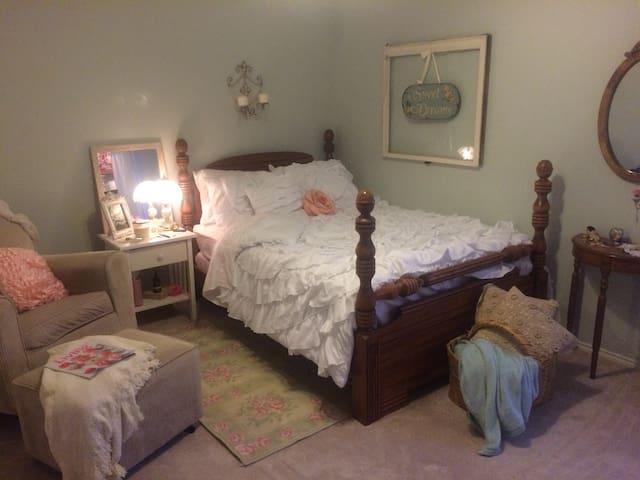 Charming Cottage Gem - Arlington - Hus