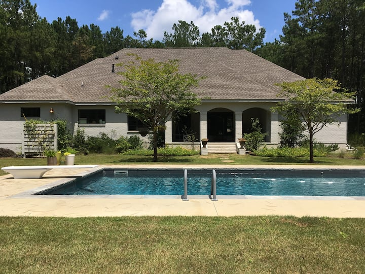 The Loveliest Tranquil Summer Home -  Auburn, AL