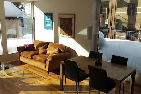 Luxurious & light attic apartment. - Andermatt - Wohnung