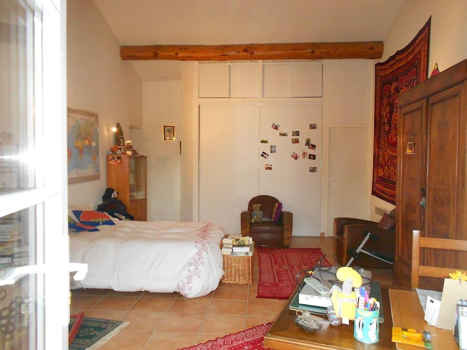 studio independant bed and breakfasts for rent in ved ne provence alpes c te d 39 azur france. Black Bedroom Furniture Sets. Home Design Ideas
