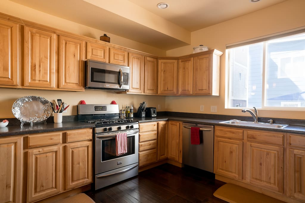 Chef's delight. LOTS of room for everyone to help with the cooking. All the cookware you'd expect in your own home is on hand for your stay.