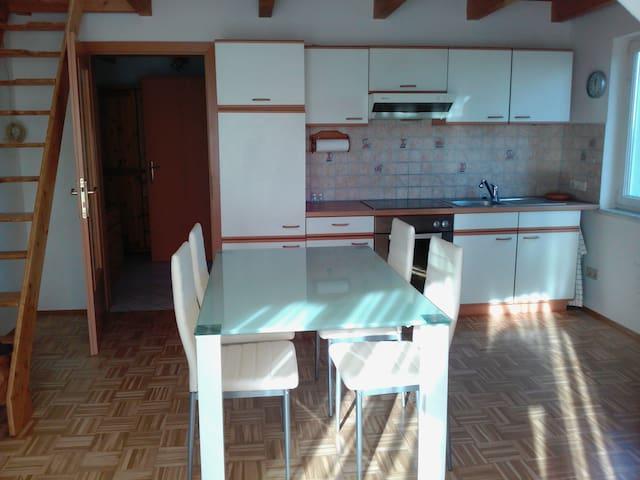Yamis Casa - sonnige ruhige nette 2 Zimmer Wohnung