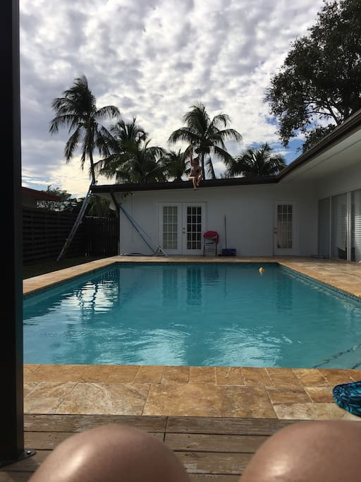 Priv house 4 bed 3 bath pool new fully renovated houses for Bath house florida