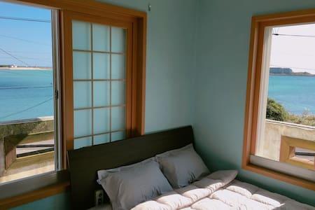 더블 룸 double room 객실 내 욕실, TV / 바다전망 섭지코지 - Seongsan-eup, Seogwipo-si