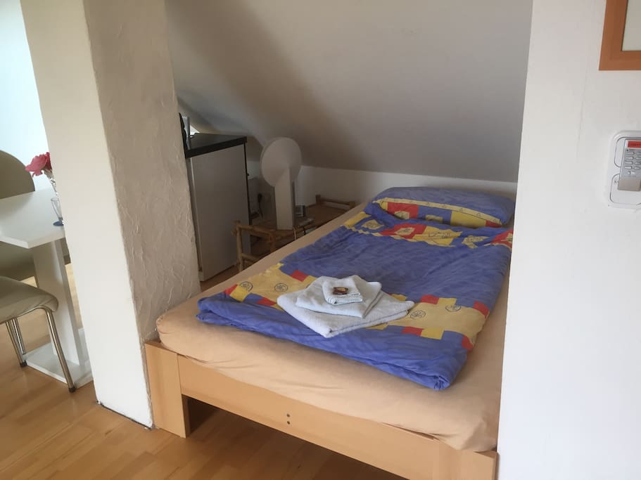 Komfortables Bett 120cm breit