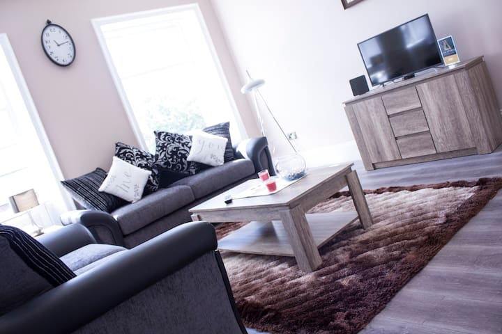 Lux Aparts Wakefield Central - Wakefield - Apartment