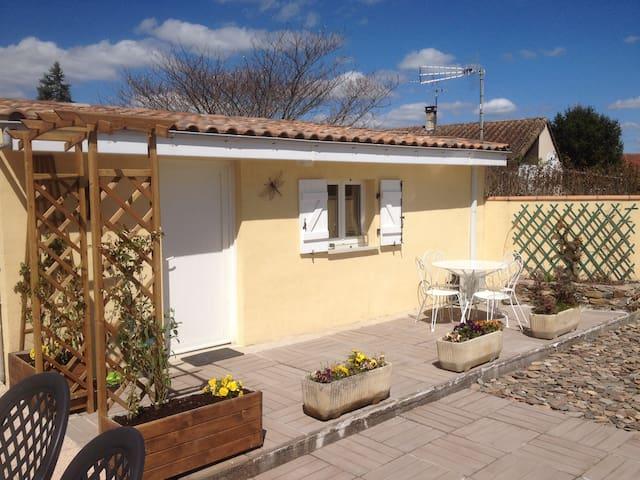 Studio avec terrasse - Lescure-d'Albigeois - Apartemen