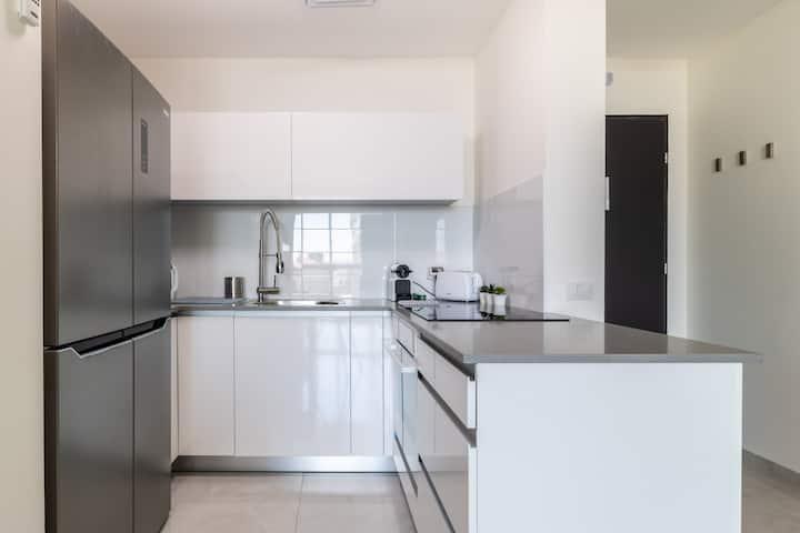 Magic Jtower Luxury Residence - Balcony & Design