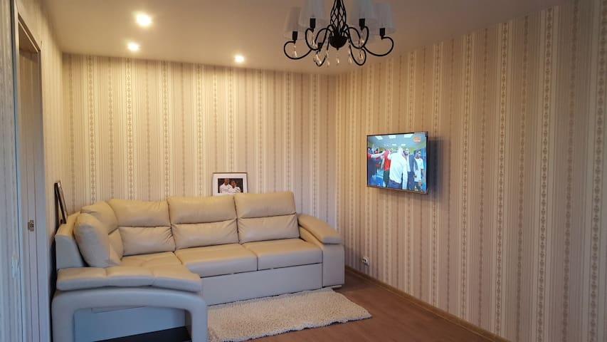 2 bedrooms fresh renovated flat, close to Fan Zone