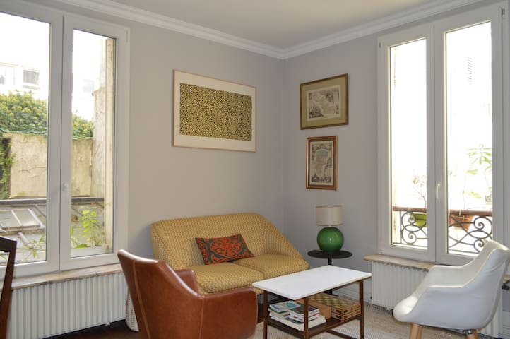 Comfy apt. with character in Montparnasse