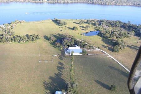 Beautiful country ranch - Ház