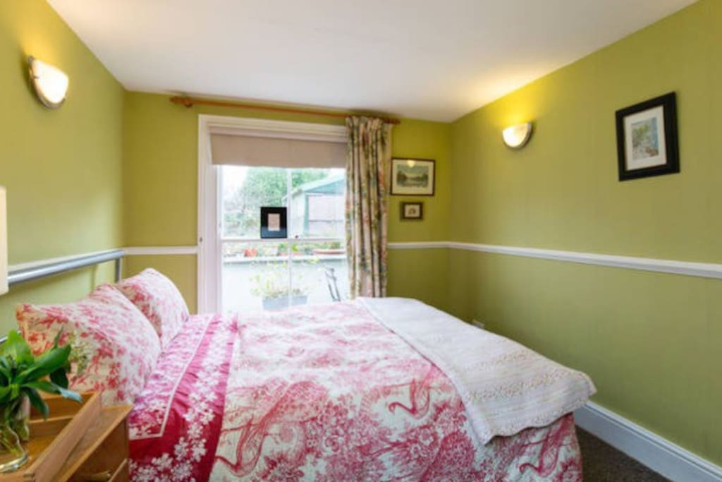 Beautiful Double Bed With En Suite Houses For Rent In