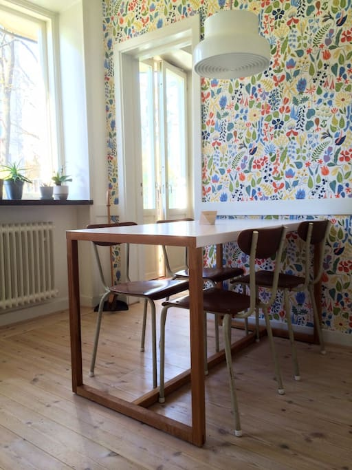 Kitchen with seats for up to 6 persons (a chair for kids from 3 years old are provided)