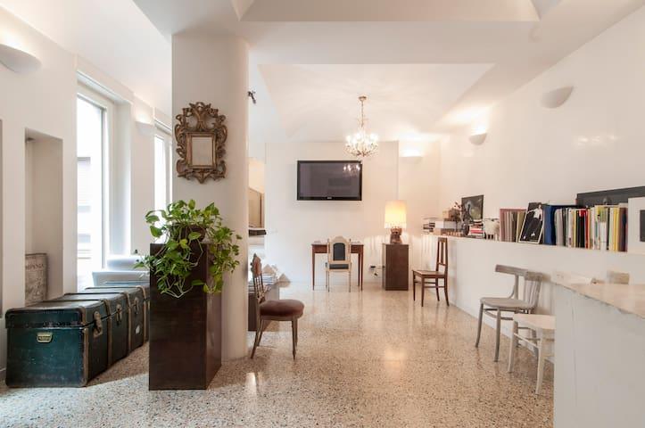 Designer Studio for Rent in Milan Fashion District